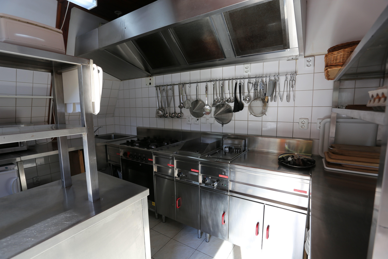 keuken-grotevakantiewoning-vakantiehuis-mladost-slovakije-slowakije-groepsvakantie-familievakantie