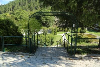 tuin-grotevakantiewoning-vakantiehuis-mladost-slovakije-slowakije-gezinsvakantie-groepsvakantie