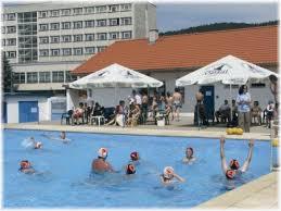 openbaar zwembad op 300 meter van Mladost